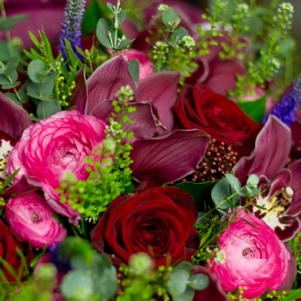 Luxury flower bouquets and chocolates - Barefoot Retreats
